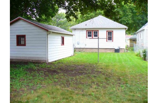 2629 Moland St, Madison, WI 53704