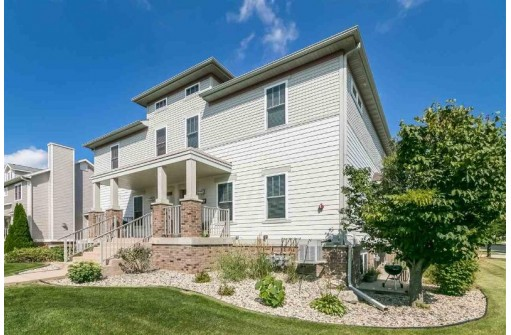 3957 Maple Grove Dr, Madison, WI 53719