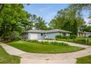 6022 Meadowood Dr, Madison, WI 53711
