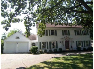 1870 S Sherwood Dr Beloit, WI 53511