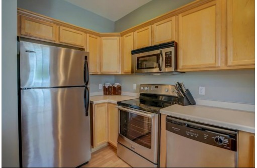 3937 Maple Grove Dr, Madison, WI 53719