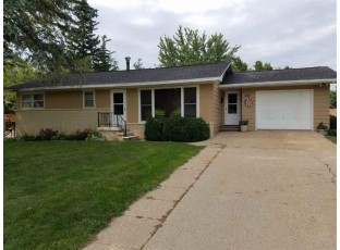 412 W Clarence St Dodgeville, WI 53533