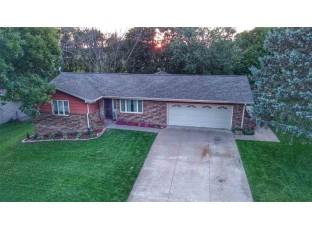 110 Moonlight Dr Platteville, WI 53818
