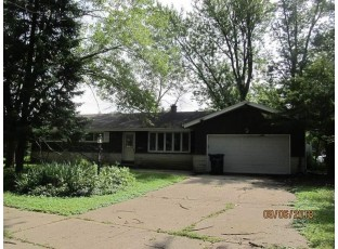 2013 Conway Dr Janesville, WI 53545
