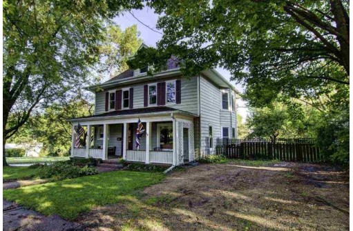 629 Church St, Mineral Point, WI 53565