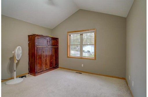 2512 Red Arrow Tr, Fitchburg, WI 53711-4790