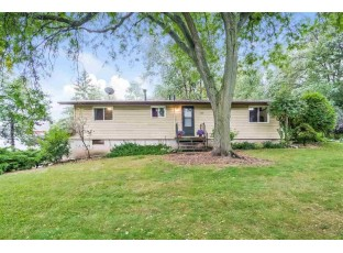 2005 Nora Rd Cottage Grove, WI 53527