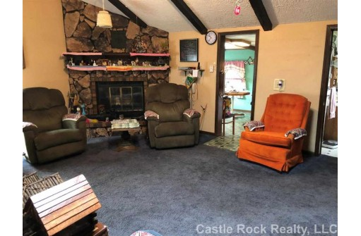 N5342 16th Ave, Mauston, WI 53948