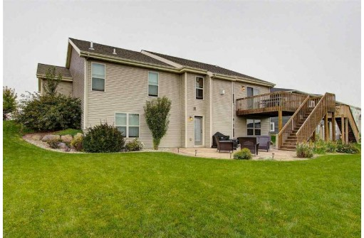 833 Shooting Star Cir, Deforest, WI 53532