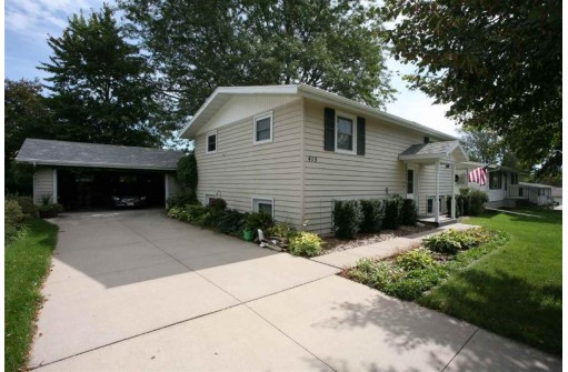 415 May St, Platteville, WI 53818