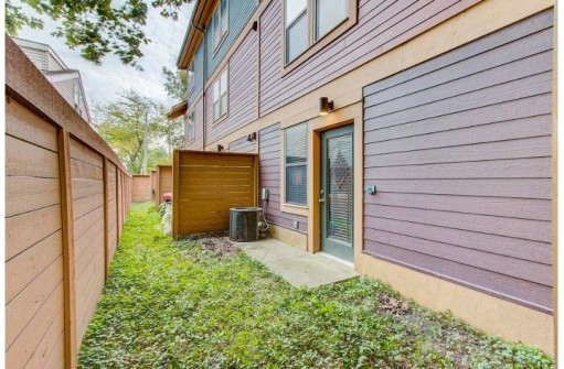 109 Dayton Row, Madison, WI 53703