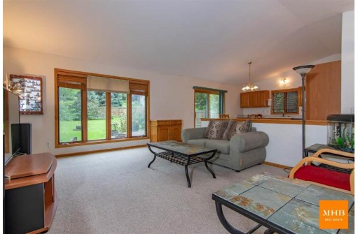 5313 Siggelkow Rd, McFarland, WI 53558