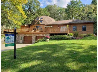 N7038 Oakwood Rd Whitewater, WI 53190