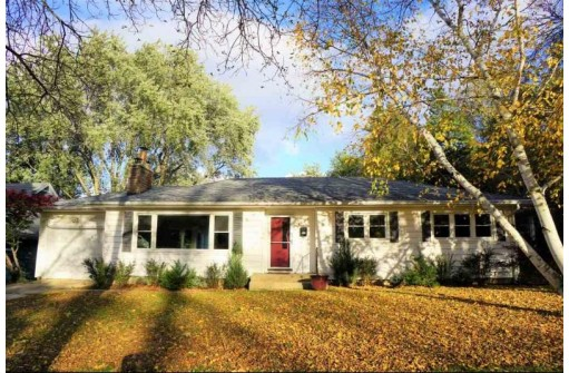 1105 Mohican Pass, Madison, WI 53711