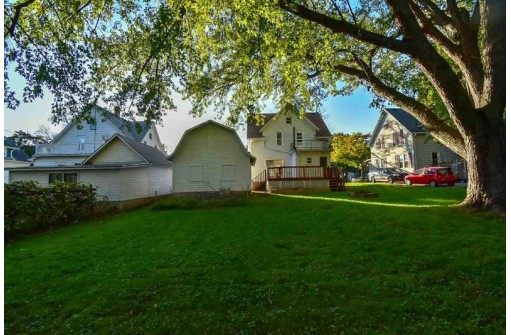608 Robert St, Fort Atkinson, WI 53538