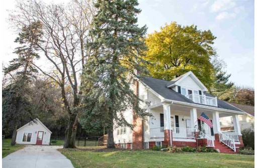 377 S Main St, Cottage Grove, WI 53527
