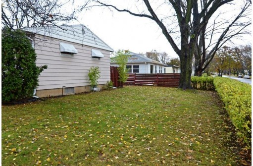 921 Mayfair Ave, Madison, WI 53714