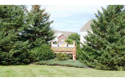 33b Grand Canyon Dr 207, Wisconsin Dells, WI 53965