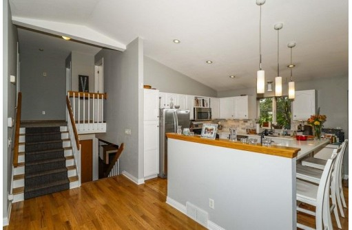 5929 High Tower Tr, Madison, WI 53719