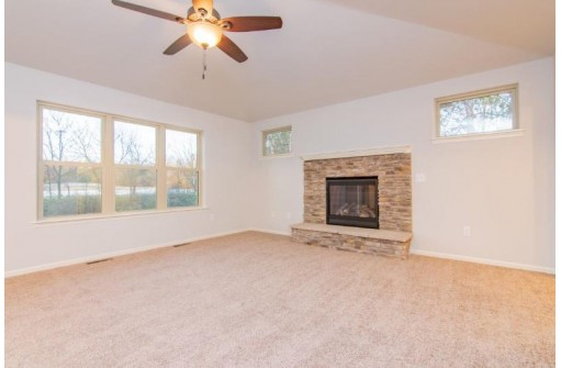 N4011 Majestic Cir, Cambridge, WI 53523-9799