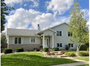 749 Westlawn Dr Cottage Grove, WI 53527