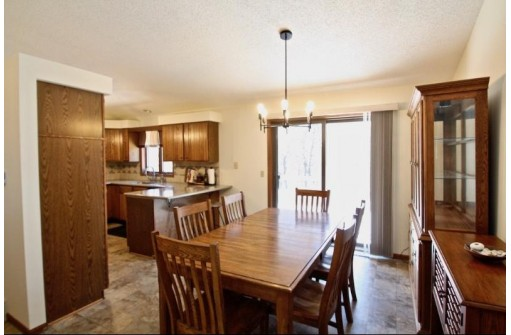7959 Stagecoach Rd, Cross Plains, WI 53528