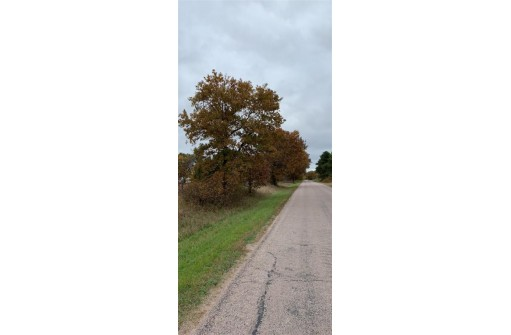 N7881 8th Ave, New Lisbon, WI 53950
