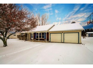 1724 Lincoln Ave Stoughton, WI 53589