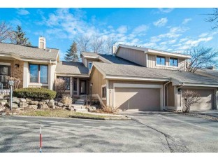 5809 Woodcreek Ln Middleton, WI 53562