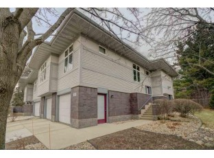11 Deer Point Tr Madison, WI 53719