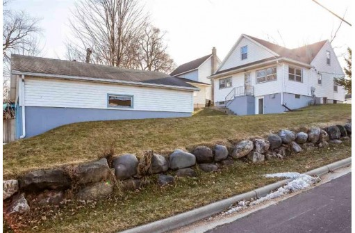 400 Columbia Ave, Deforest, WI 53532