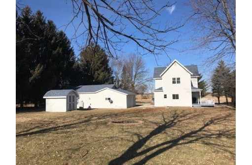 W6741 County Road B, Burnett, WI 53922