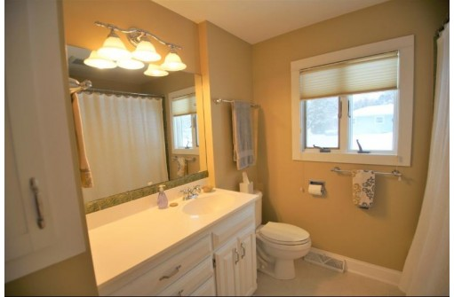 1 Boston Ct, Madison, WI 53711