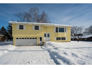 704 S Holiday Dr Waunakee, WI 53597