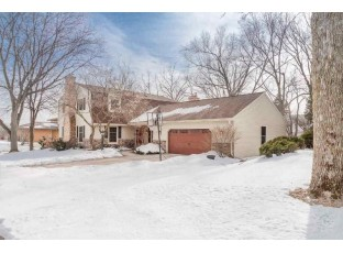 6701 Colony Dr Madison, WI 53717