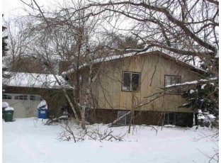 6772 Peaceful Ct Sun Prairie, WI 53590