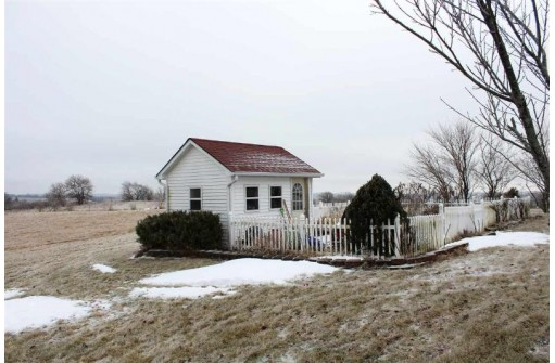 W2684 Town Center Rd, Juda, WI 53550