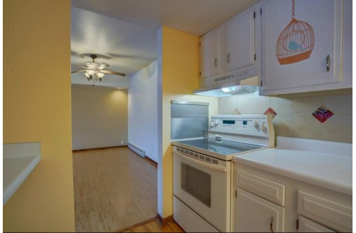 325 S Yellowstone Dr 325, Madison, WI 53705