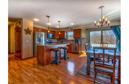 1125 Red Oak Cir, Johnson Creek, WI 53094-6455
