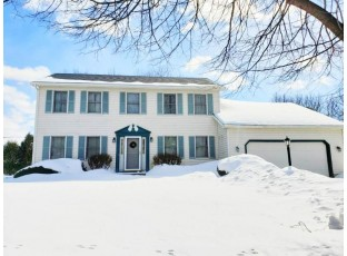 10 Boothbay Cir Madison, WI 53717