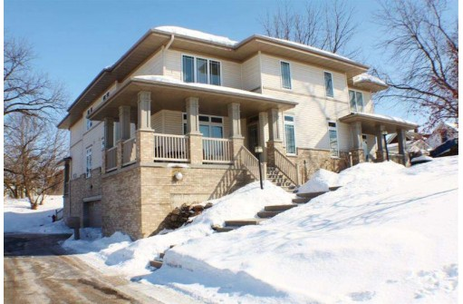 133 Carriage Way, Deforest, WI 53532