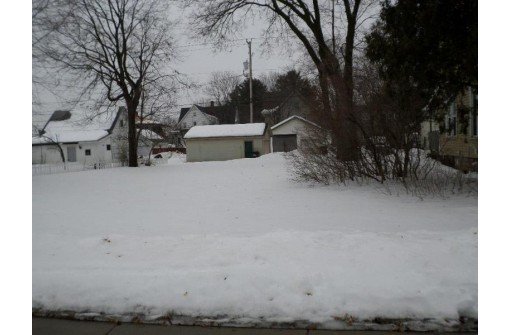 1408 Superior Ave, Tomah, WI 54660