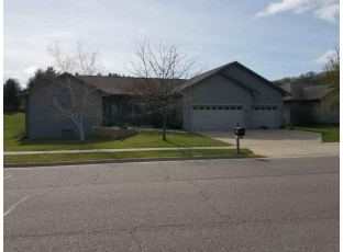 701 Forest Edge Dr Mazomanie, WI 53560