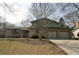 302 Acadia Dr Madison, WI 53717
