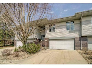 15 Deer Point Tr Madison, WI 53719