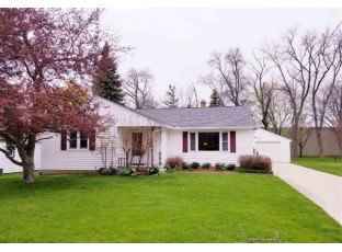 1002 Mary St Watertown, WI 53094