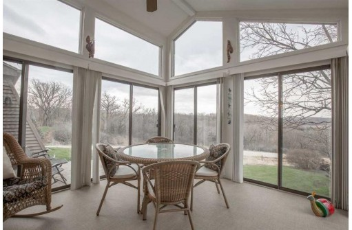 7990 Stagecoach Rd, Cross Plains, WI 53528