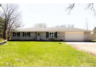 10241 Sandy Ct Mazomanie, WI 53560