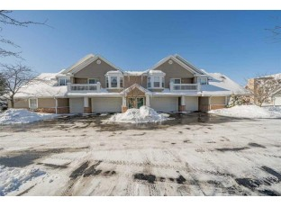 3282 Stonecreek Dr 16 Madison, WI 53719