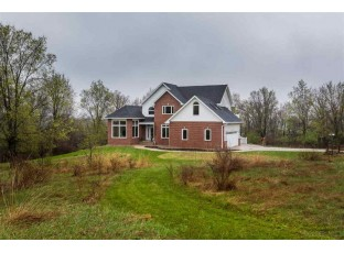 N7682 Marshall Bluff Rd Monticello, WI 53570